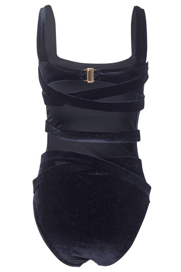 Donatella Black Velvet_5ff6a4aecf30d.jpeg